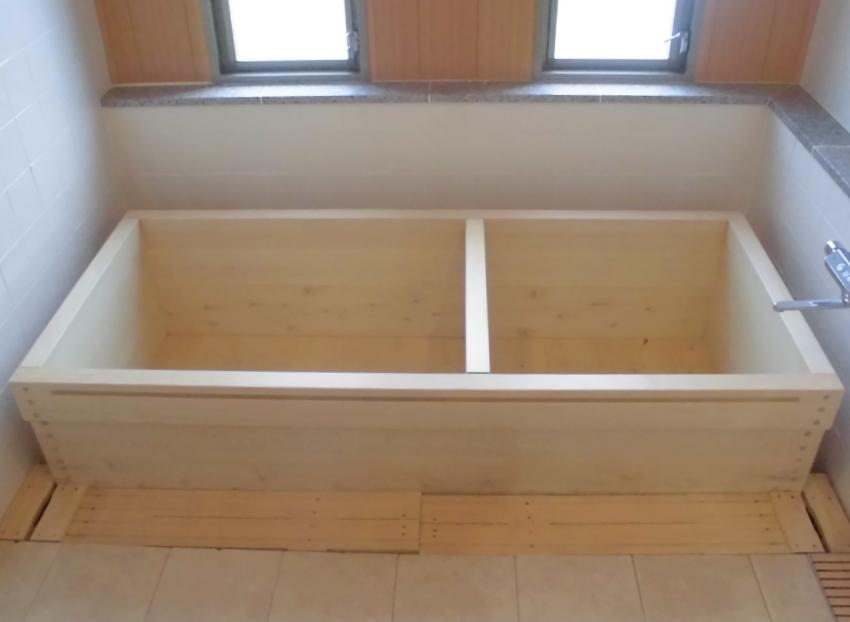 ひのき浴槽(仕切り板枠付)TMT-2604-H-W